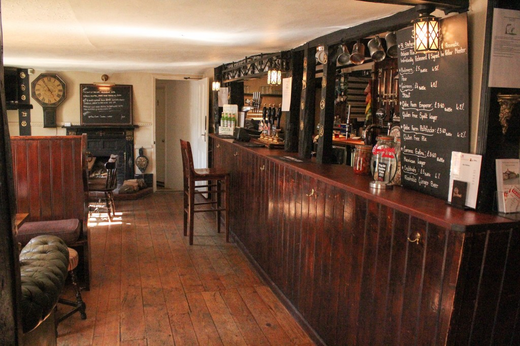 The Bar – The Red Lion @ Hinxton